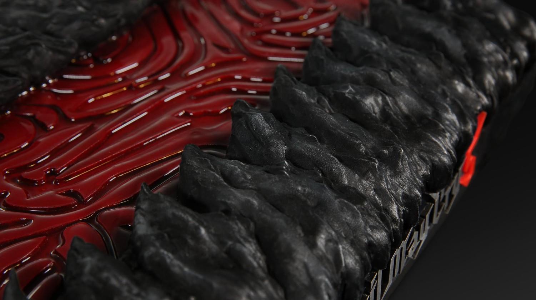 庆祝《鬼泣5》2周2百万销量 微软高管送但丁恶魔刀锋X1X
