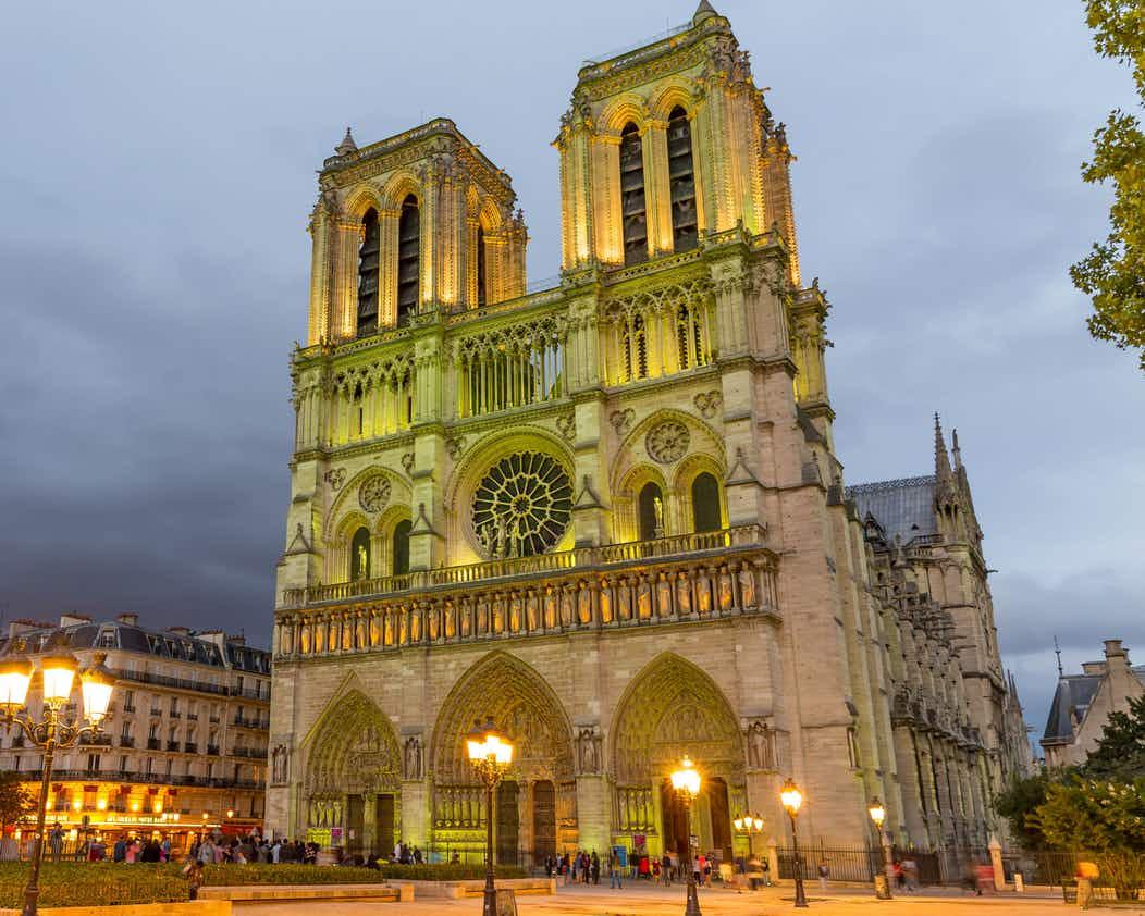 有无帮助一见便知 20秒同步AC大革命中的巴黎圣母院