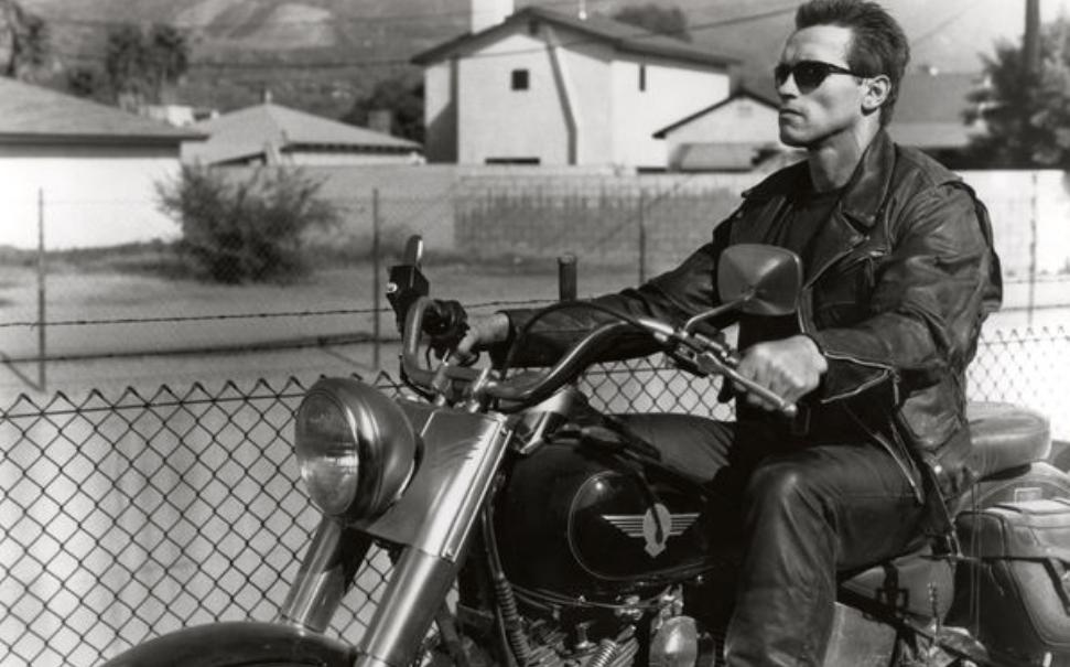 《狂飙:极限视界》评测:黑道摩托车手的艰难求生之路