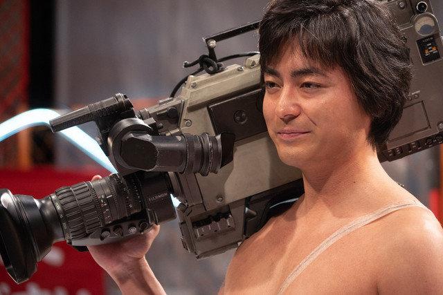 山田孝之化身传奇AV导演 《全裸监督》公布最新