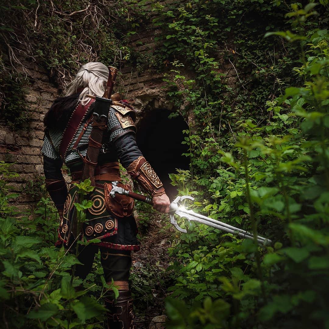 《巫师3:狂猎》杰洛特Cos图欣赏 新护甲效果炸裂