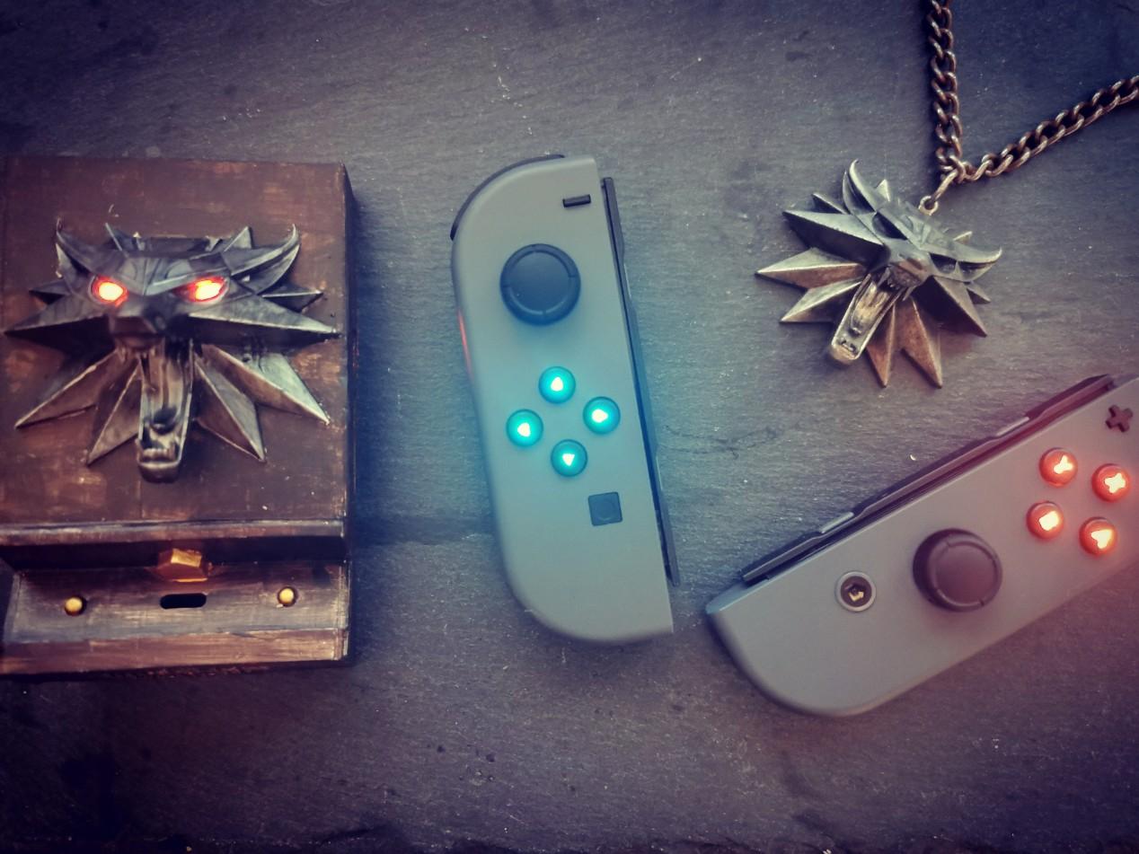 我的徽章在颤动 玩家自制Switch《巫师3》主题底座
