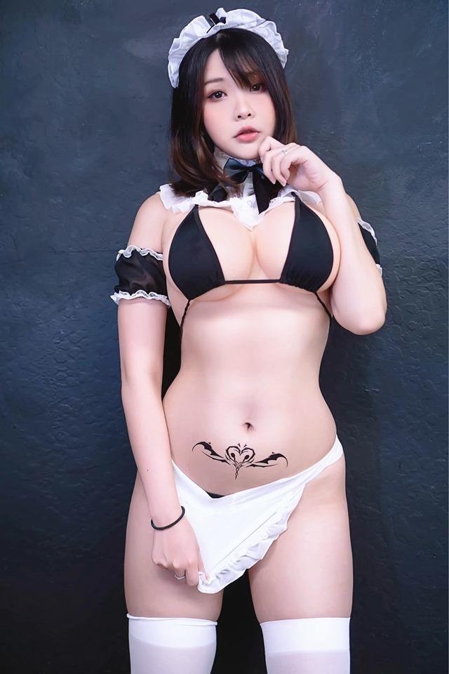 国外美女Coser最新图赏 妹子穿着大胆火辣性感