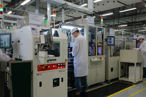 华为P30 Pro如何被生产出来的?更先辈机械人主动化
