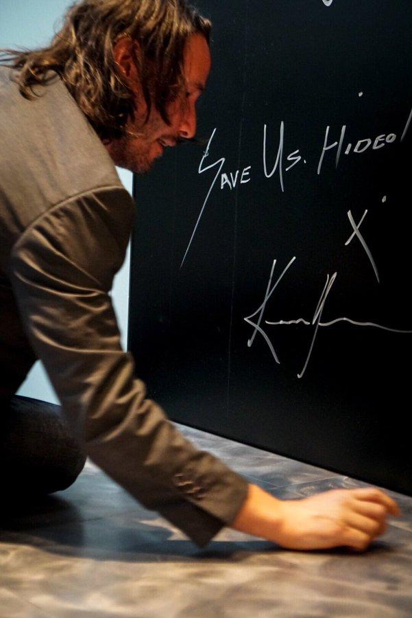 基努里维斯造访小岛秀夫工作室 同框比V帅气逼人!