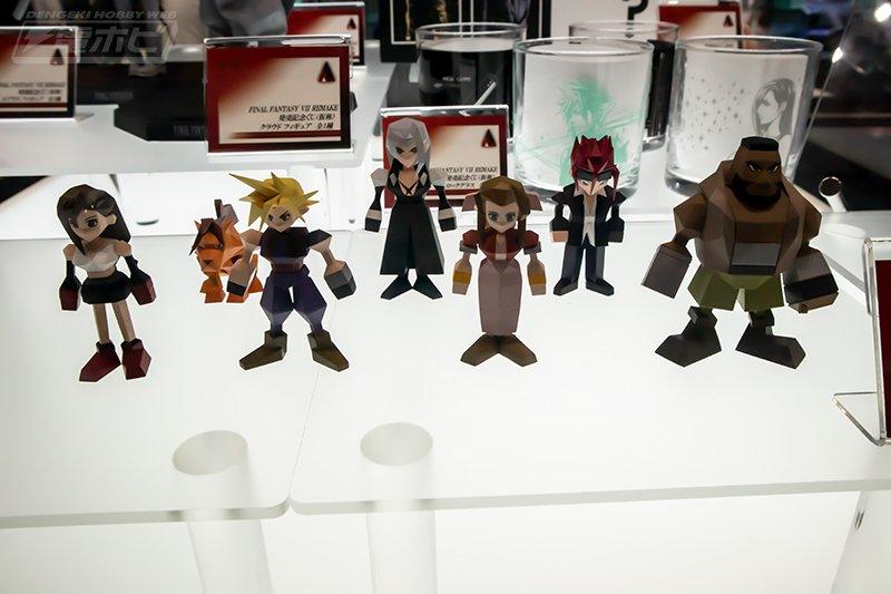 有棱有角的情懷 《最終幻想7》發布方塊版角色手辦