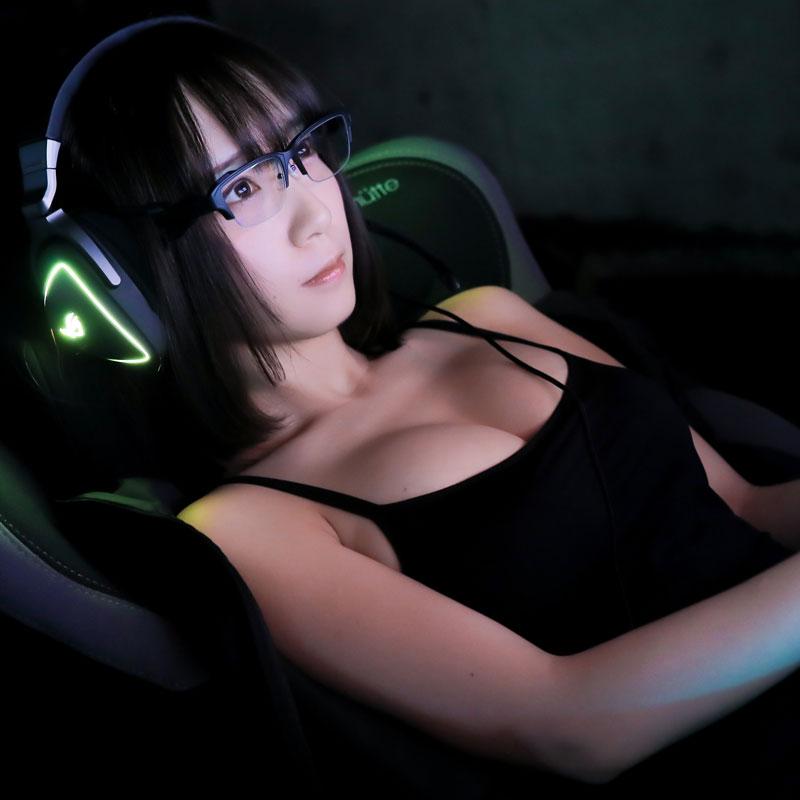 日廠為玩家推出防疲勞眼鏡 伊織萌代言胸猛搶鏡