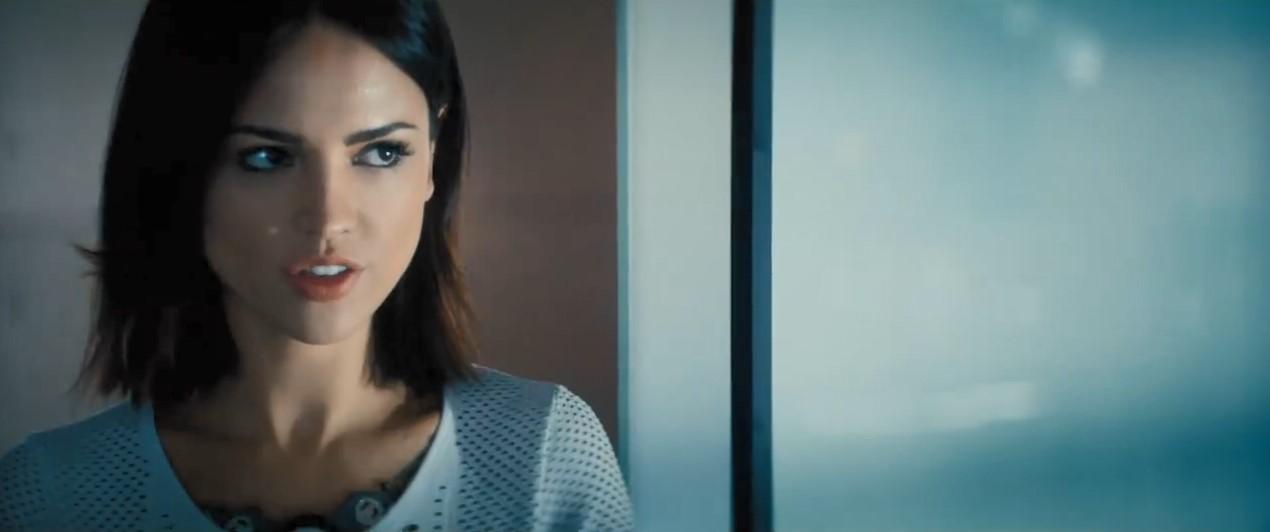 范·迪塞尔R级新片《喋血战士》首曝预告 脸都被打烂了