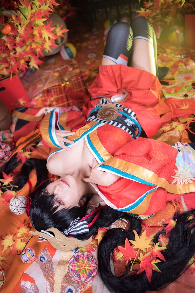 日本美女空绮一爱Cos美图欣赏 性感御姐身材出众