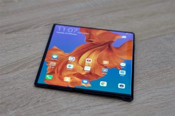 华为Mate X折叠屏面板确认:京东方国产AMOLED屏