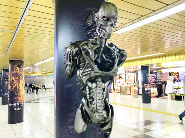 天网技术了得!《终结者:黑暗命运》Rev9乱入新宿车站