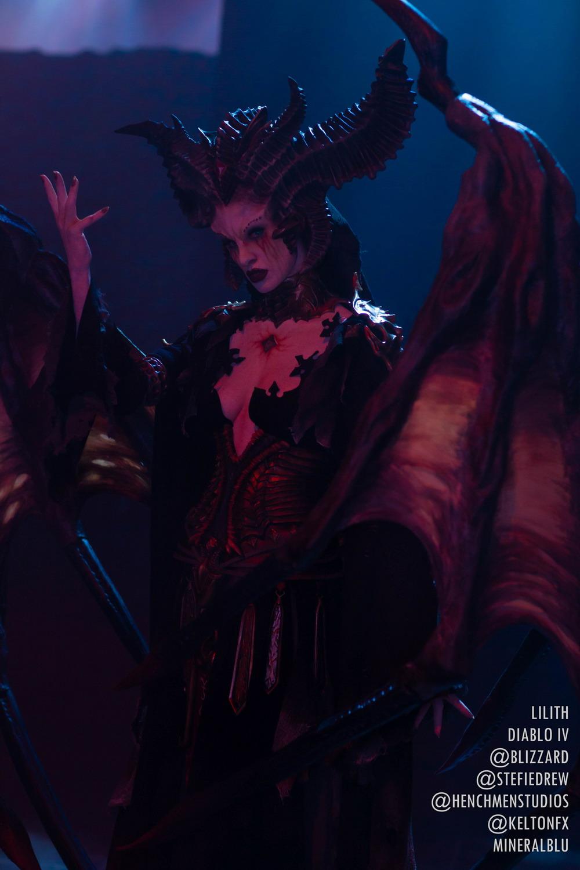 《暗黑破坏神4》莉莉丝官方Cos 女魔头霸气登场
