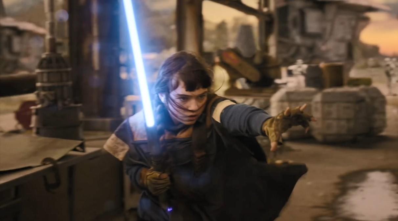 《星战绝地》真人宣传片 主角是女绝地 光剑是手电变的