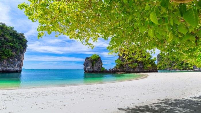 微软发布Windows 10 Beach Time 4K主题包 享受沙滩时光