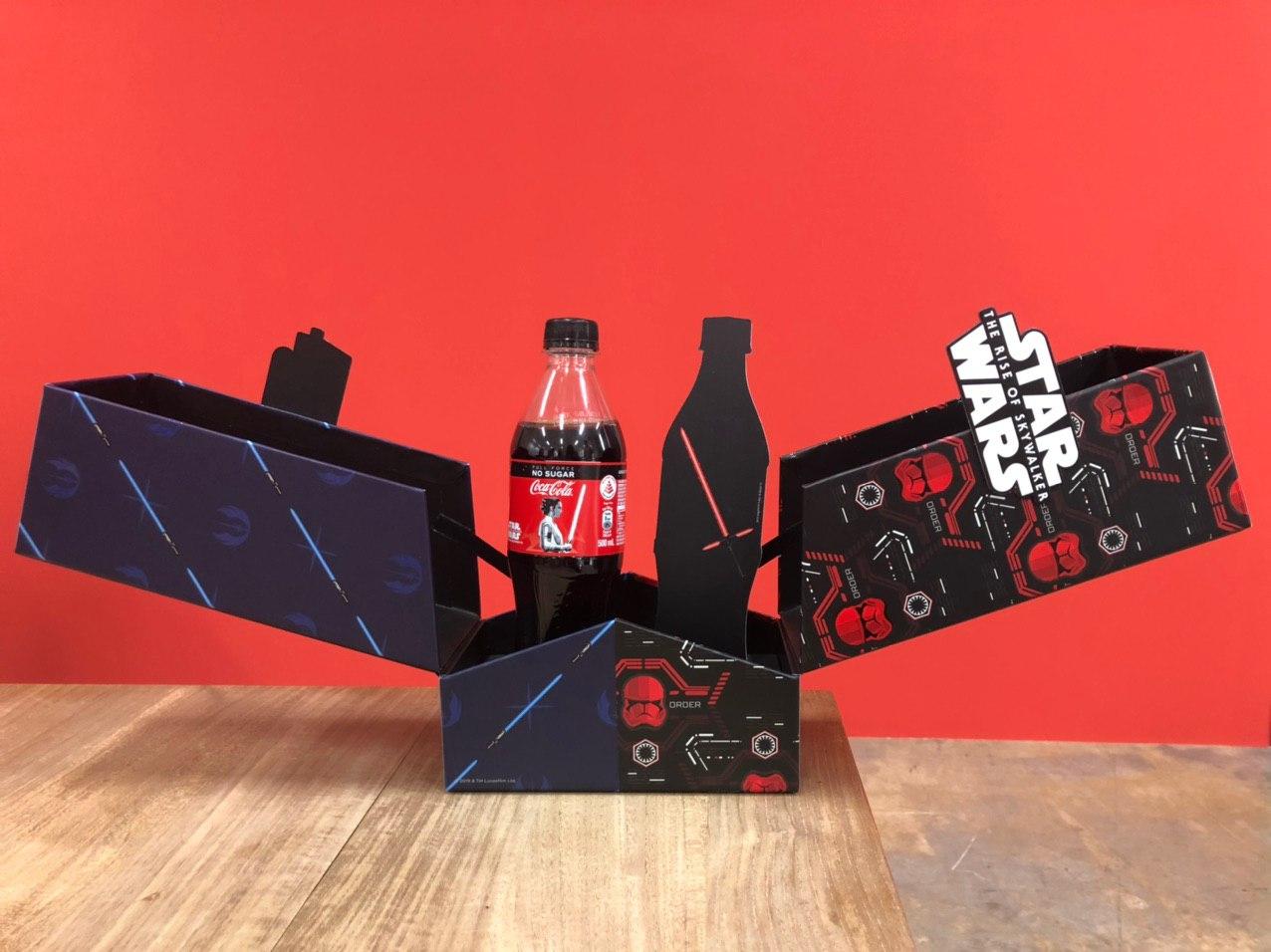 可口可乐推出《星球大战》OLED光剑包装瓶 可被点亮500次