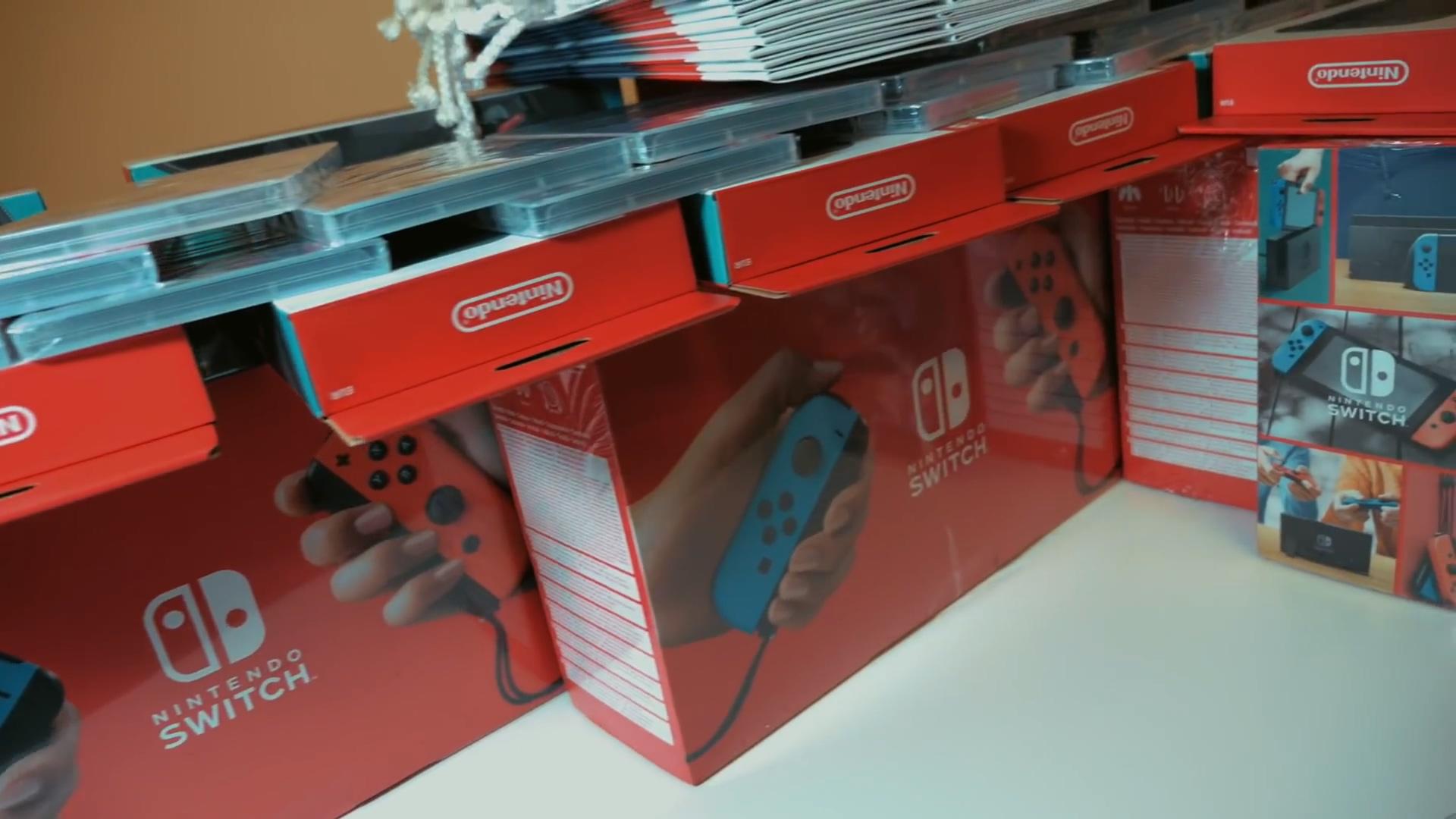 任天堂为《冰雪奇缘2》观众赠送Switch游戏机套装
