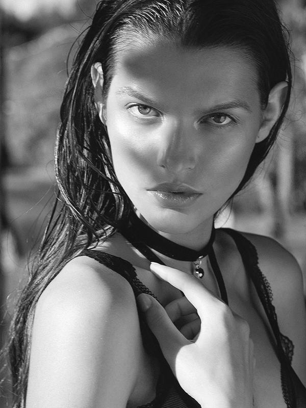 《生化危机3重制版》吉尔脸模亲自承认!俄罗斯模特小姐姐
