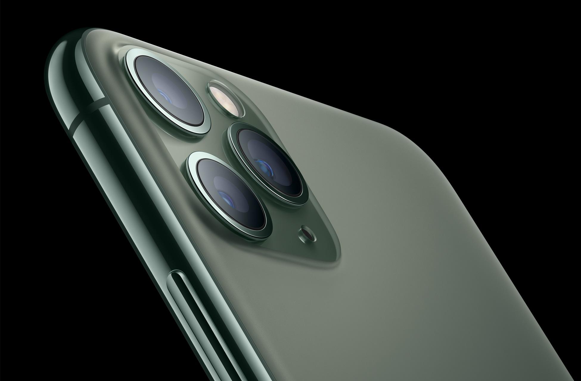 iPhone12性能暴增 外媒怒赞:甩安卓一条街