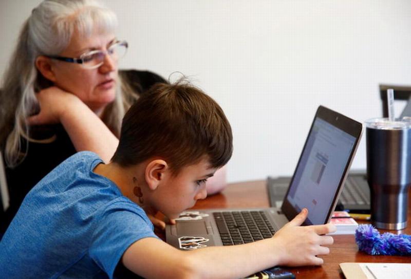 疫情让笔记本电脑在美国大卖 幸好去年从中国进口很多