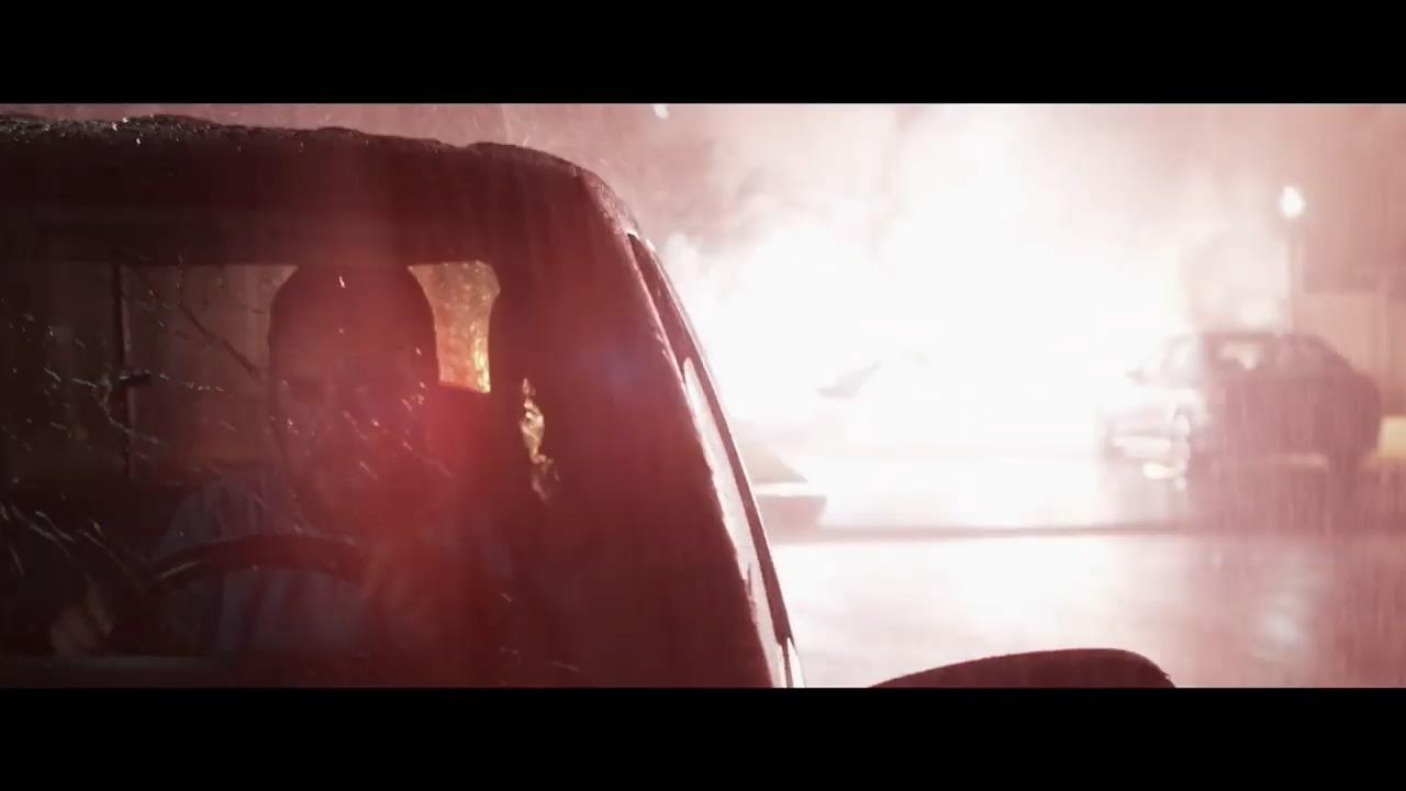 罗素克劳新片《精神错乱》首曝预告 不要和生硬人路怒
