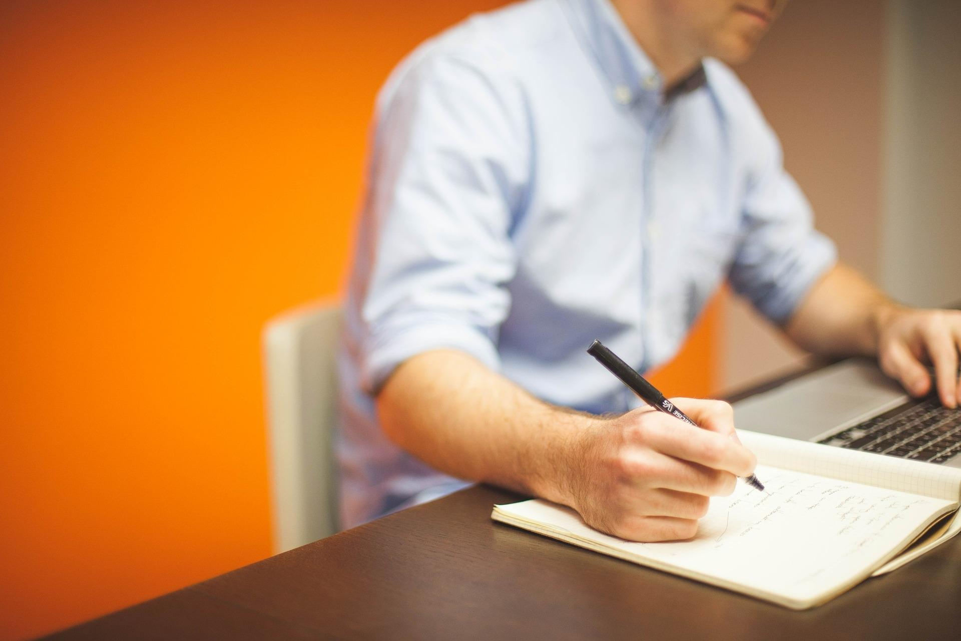 阅文发布新版合同:明确作者受益 免费/收费模式自主选择