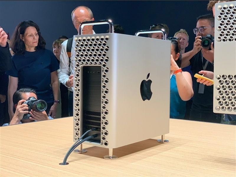 苹果中国官网调整 Mac Pro支持选配AMD W5500X显卡