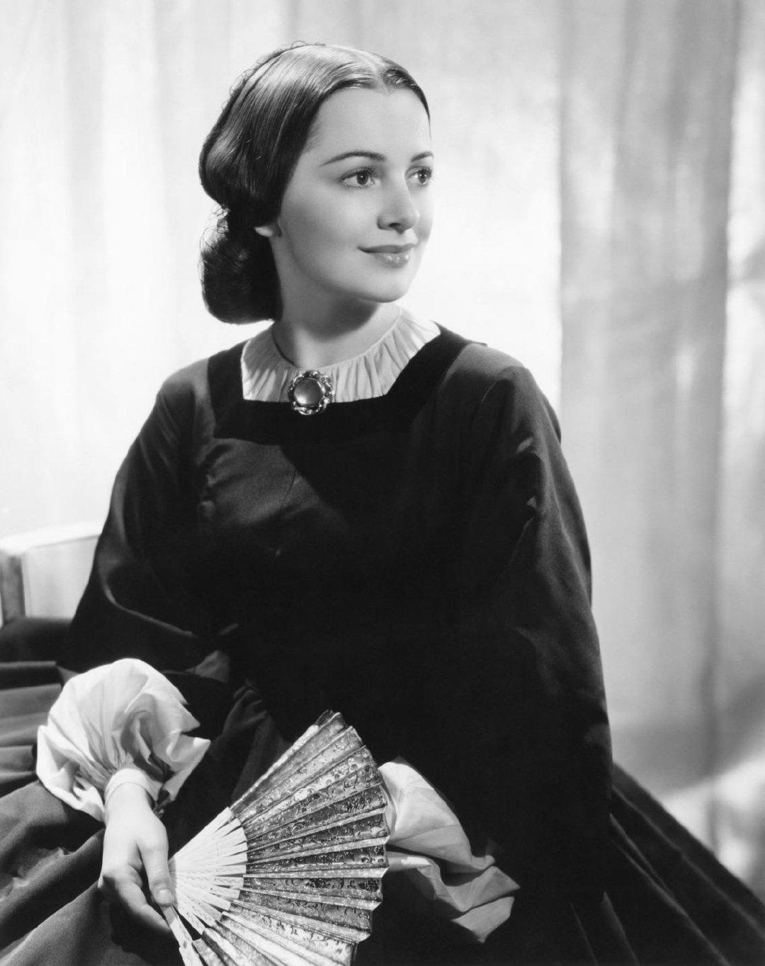 好莱坞传奇影星奥利维娅·德哈维兰逝世 享年104岁