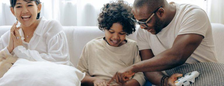 新研究显示:玩游戏能提高年轻人读写能力 帮助扫盲