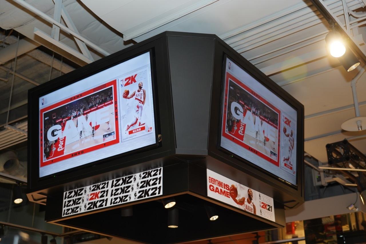 《NBA 2K21》巨幅广告现身台湾NBA专卖店 明星助阵