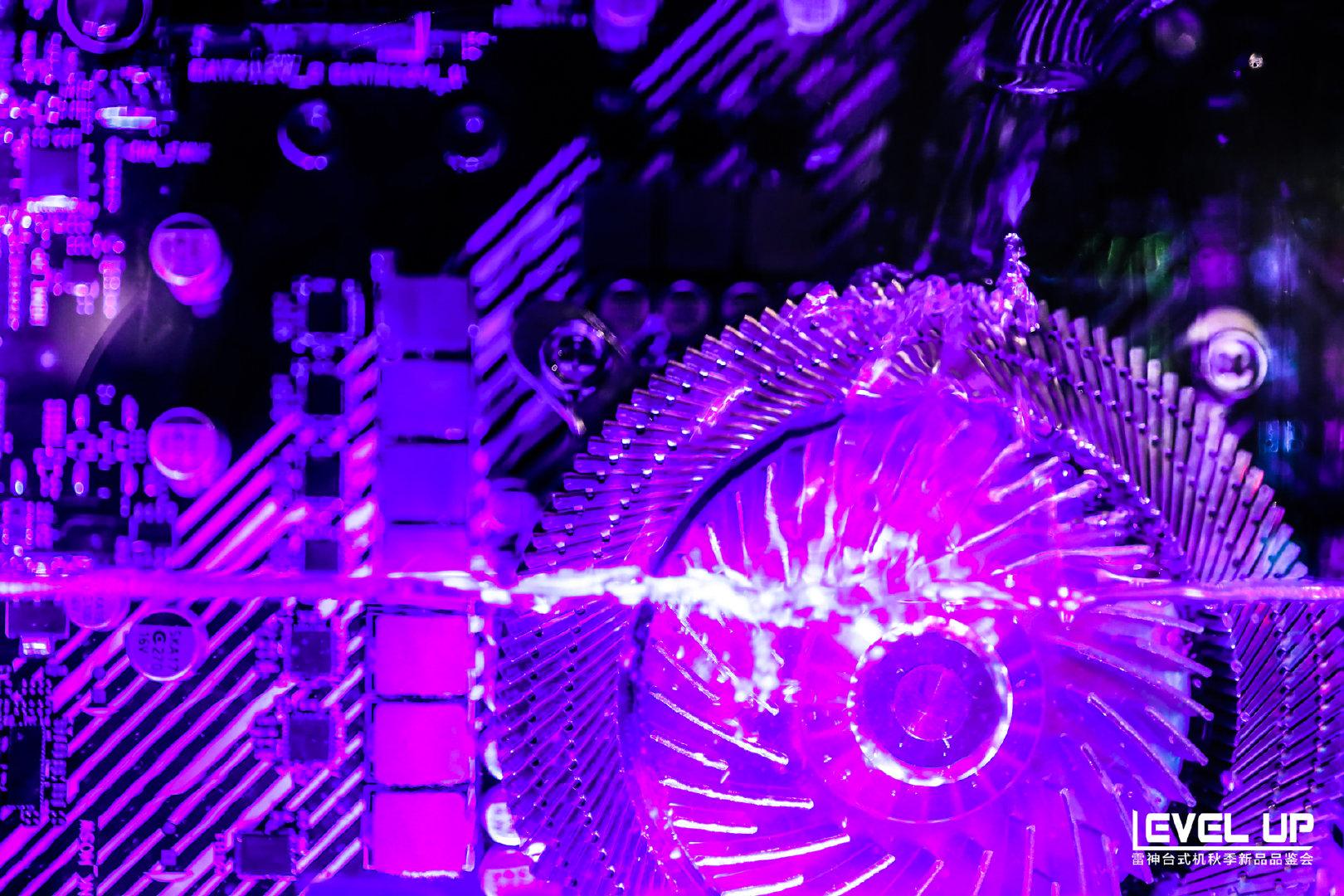 雷神发布全球首款浸没式液冷PC游戏主机:可零下70度运行