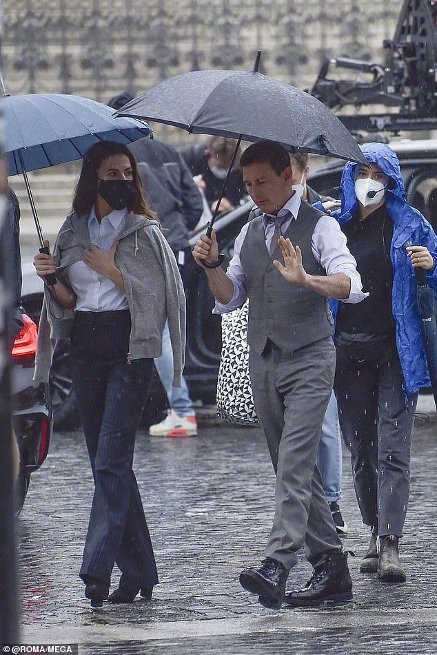 《碟中谍7》新片场照 年近6旬阿汤哥略显老态