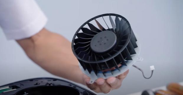 索尼还会通过游戏更新动态控制PS5的风扇转速