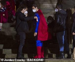 新《蝙蝠侠》一大波新片场照 有人cos超人和神奇女侠