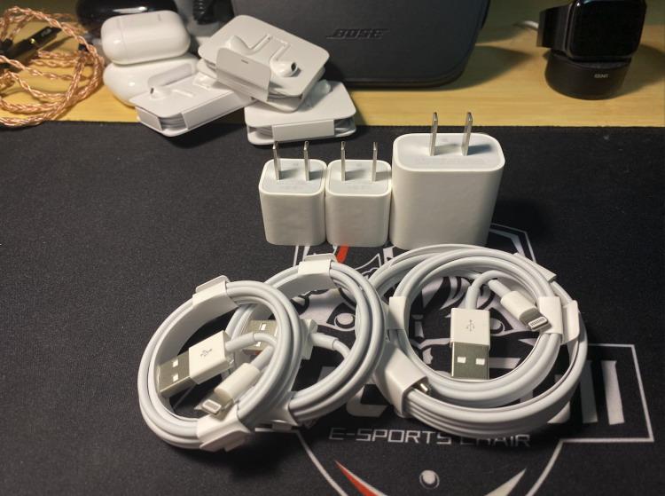 去掉耳机和充电器 以后数据线苹果也不会送了!