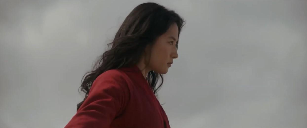 《花木兰》曝光删减片段:木兰救了仙娘
