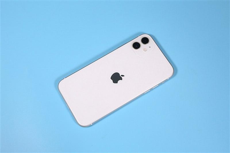 苹果无刘海超大屏可折叠手机暴光 售价9900元起