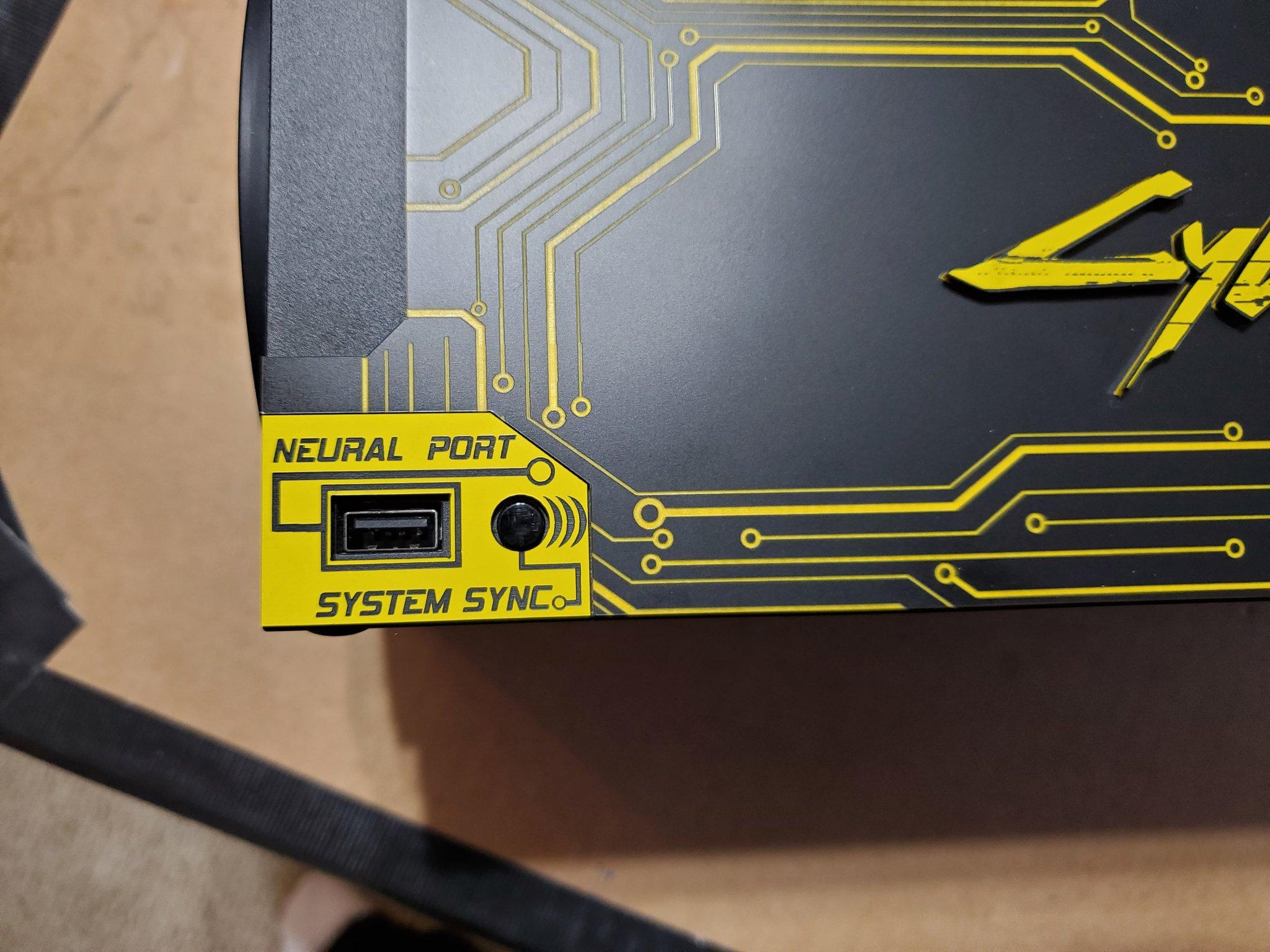 玩家自制《赛博朋克2077》定制版Xbox Series X主机