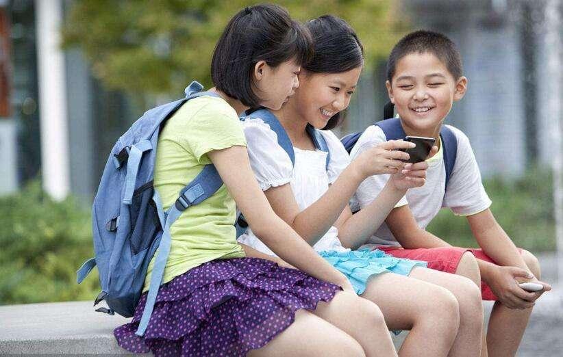 中小学生原则上不得将手机带入校园 教育部:防止沉迷网络和游戏