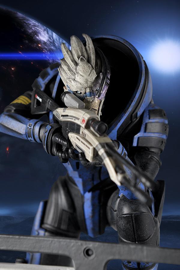 Bioware官方《质量效应》盖拉斯雕像 售价95美元