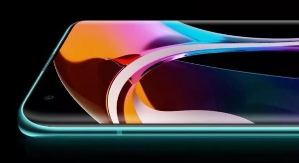 全球首款!TCL华星6.67寸OLED屏获SGS低拖影认证