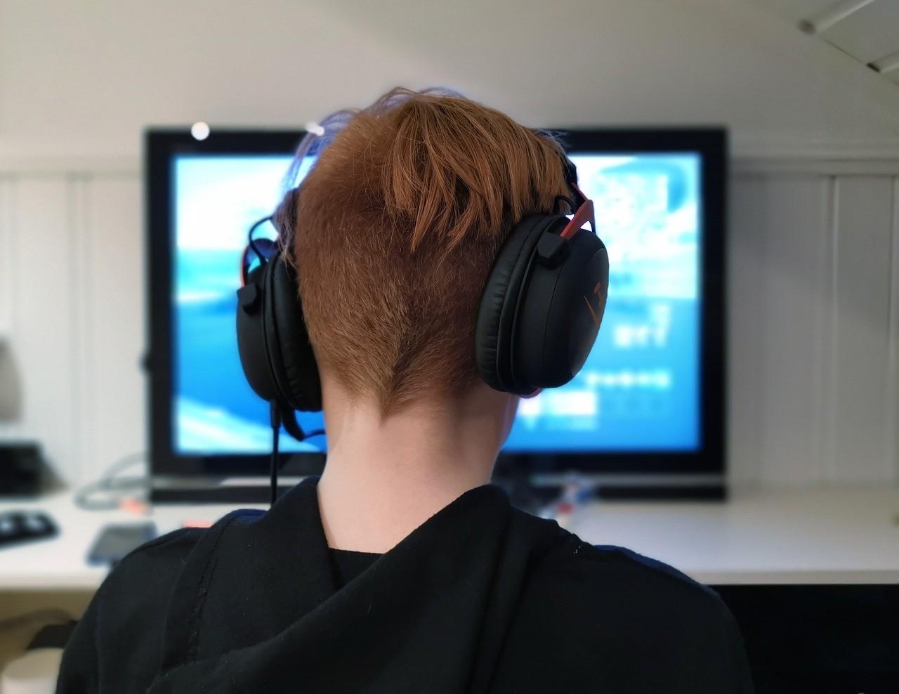 代表建议网络游戏开启实名制人脸识别 禁未成年人下载