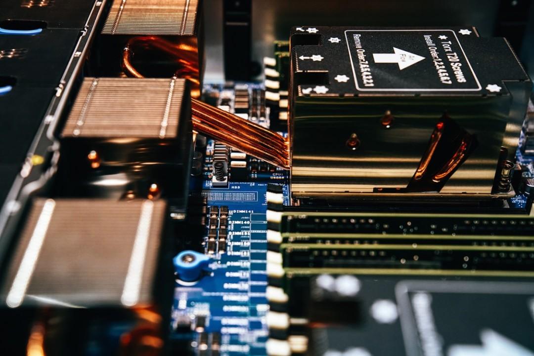 腾讯颁布发表新一代办事器:机能暴增220% 撑持100G带