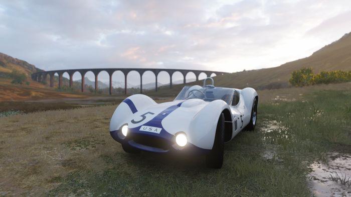《极限竞速:地平线4》驾驶名爵经典老爷车和超跑RAESR TS一起畅游冬季赛!