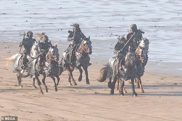 《巫师》第二季狂猎登场 幽灵骑士团杀气腾腾