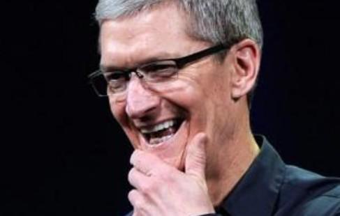 苹果CEO库克谈造车:整合软硬件及服务探索无人驾驶