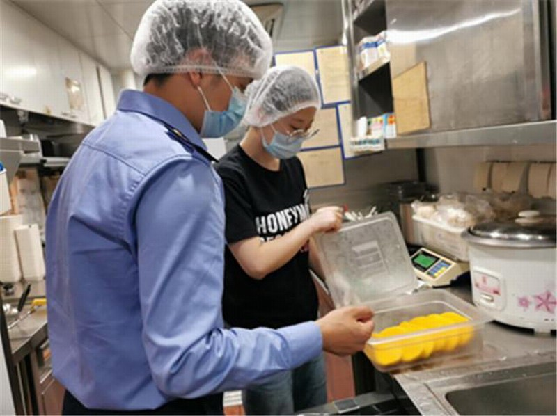 面包店报废不好看的面包被约谈:造成严重的食品浪费