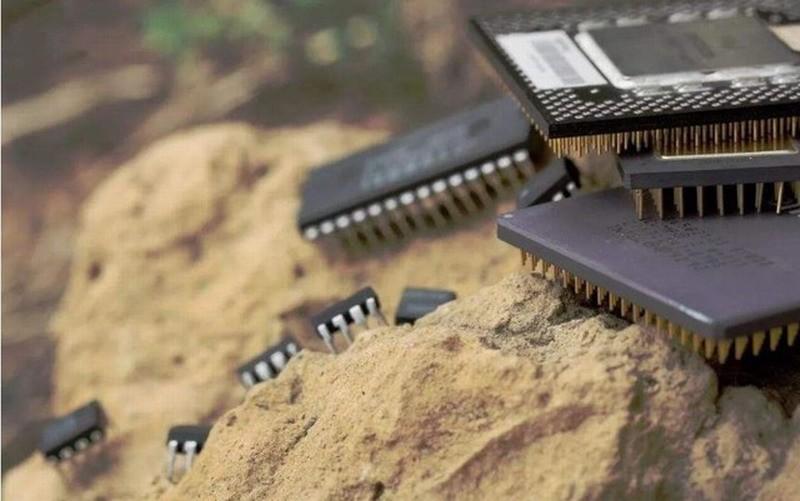 不止光刻机 挡在国产芯片发展路上的三座大山是什么?