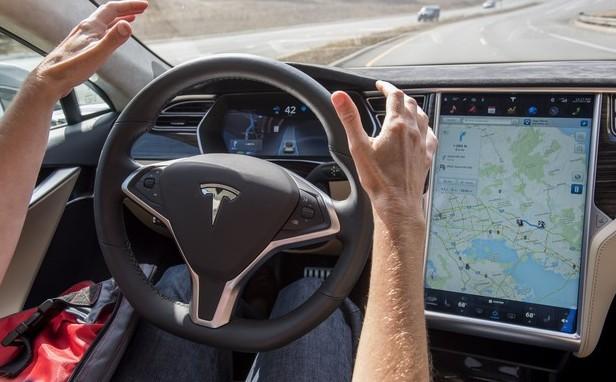 特斯拉工程师:马斯克过度鼓吹自动驾驶就是谋财害命