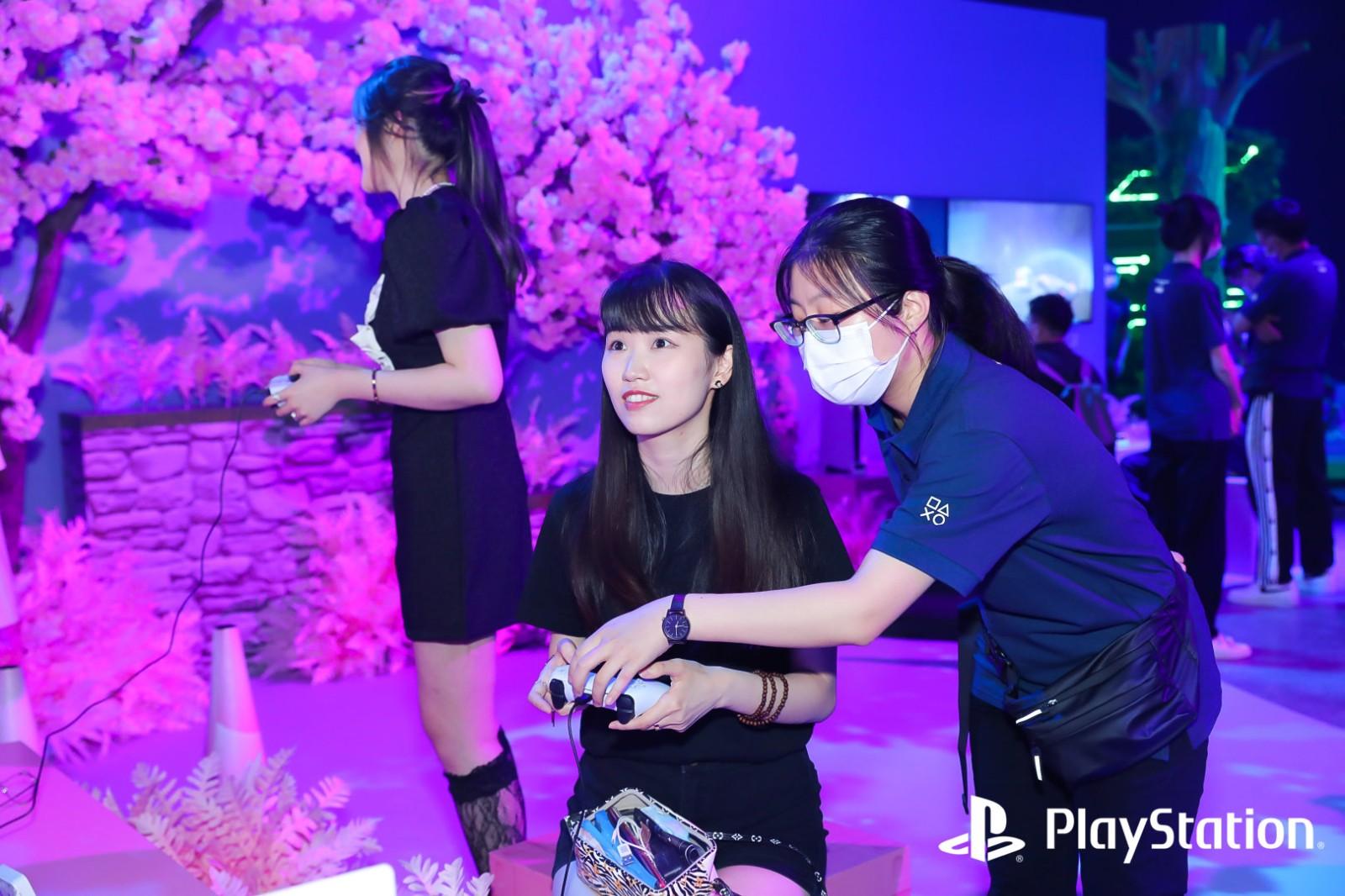 PS5国行今日开售:可以运行外服光盘游戏