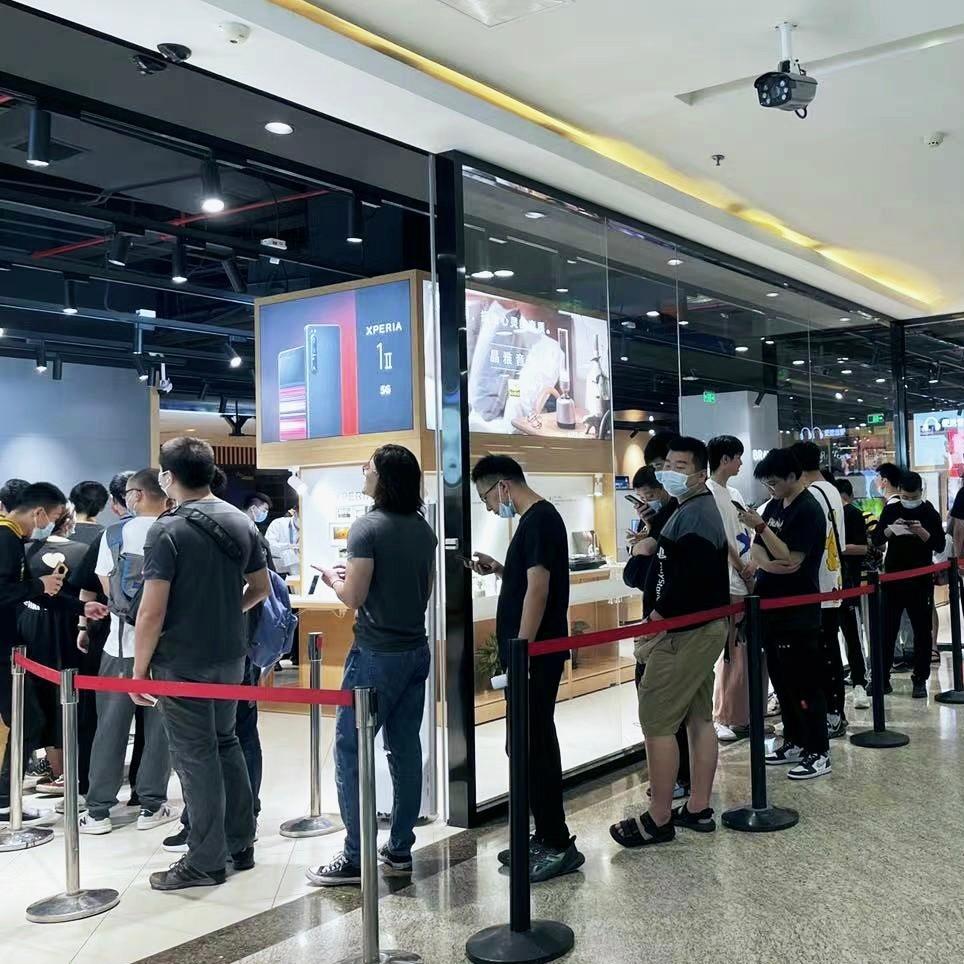 上海天际线变成蓝色!PS5国行上市各地灯光秀